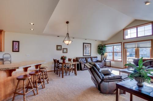 Wapato Ridge: Luxury Lair (216) -  Vacation Rental - Photo 1