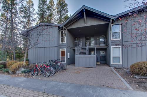 1 Abbot House - Sunriver, OR Vacation Rental
