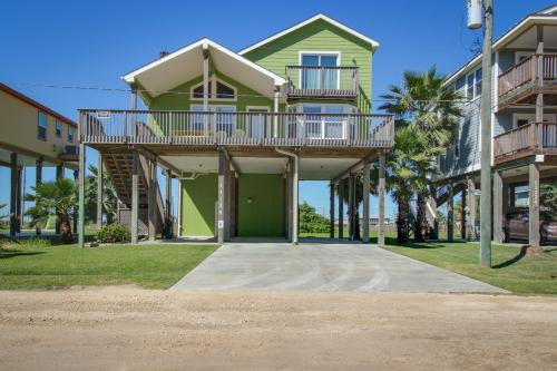 Ike's Revenge - Galveston, TX Vacation Rental