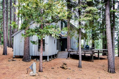 Black Butte Ranch Big Meadow View w/ WiFi & Bikes! - Black Butte Ranch Vacation Rental