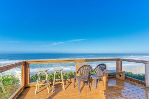 Gleneden BeachFront Getaway - Gleneden Beach, OR Vacation Rental
