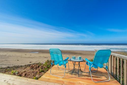 Driftwood Bungalow - Gleneden Beach, OR Vacation Rental