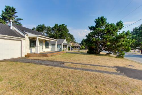 Beachcomber Haven - Warrenton, OR Vacation Rental