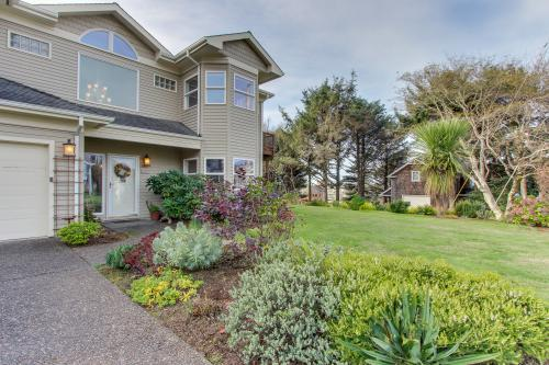Top 42 cannon beach vacation rentals from 49 vacasa for Beach house rentals cannon beach