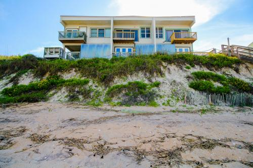 Oceanfront Family Get Together -  Vacation Rental - Photo 1