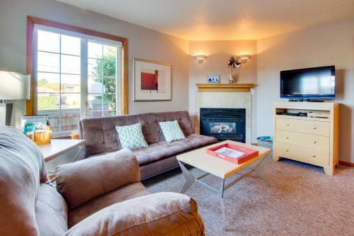 Beaches Inn | Puffins Place Cabana - Cannon Beach, OR Vacation Rental