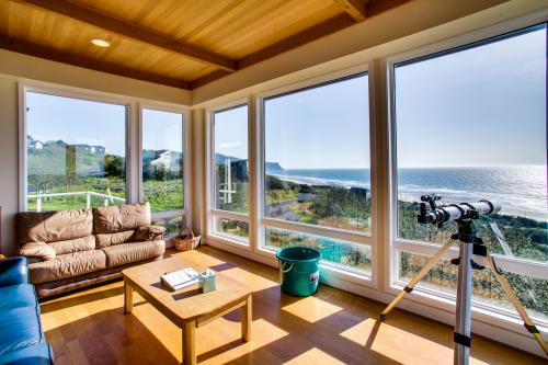 Gorman Beach House - Neskowin, OR Vacation Rental