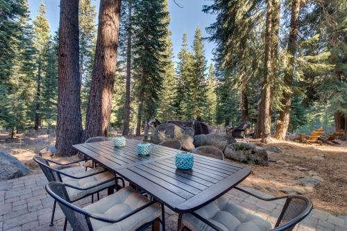 Lucky Tree Cabin - Truckee, CA Vacation Rental