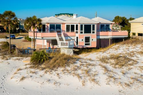 The Pink House: Holiday Sunset -  Vacation Rental - Photo 1