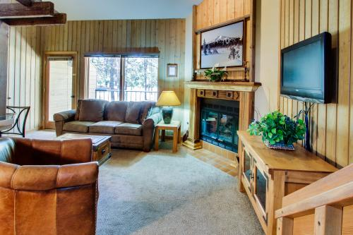 Mt Bachelor Village Ski House Condo - Bend Vacation Rental