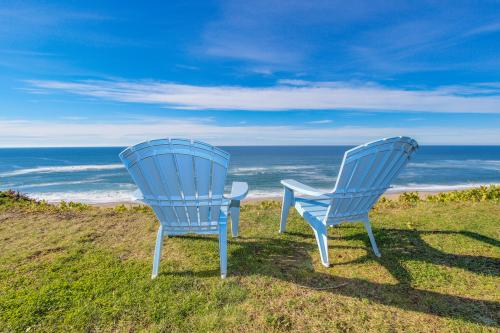 Sea Castle BeachFront Getaway - Gleneden Beach, OR Vacation Rental