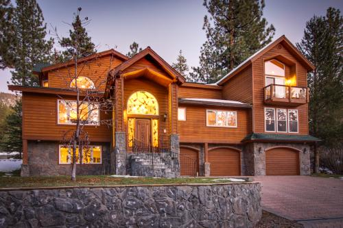 Heavenly Luxury Lodge - South Lake Tahoe, CA Vacation Rental