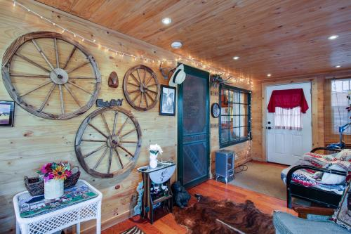Country Cottage by the Lake -  Vacation Rental - Photo 1