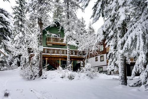 Mt Hood Chalet Vacation Rental -  Vacation Rental - Photo 1