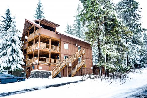 Little Trail Lodge -  Vacation Rental - Photo 1