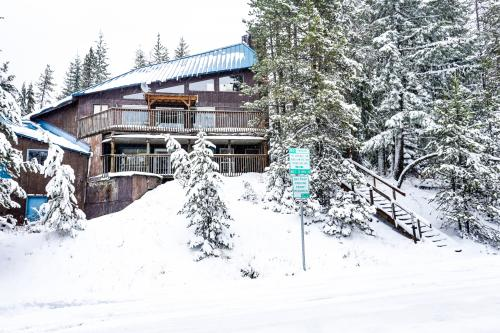 Flying Stag: Little Blue - Government Camp, OR Vacation Rental