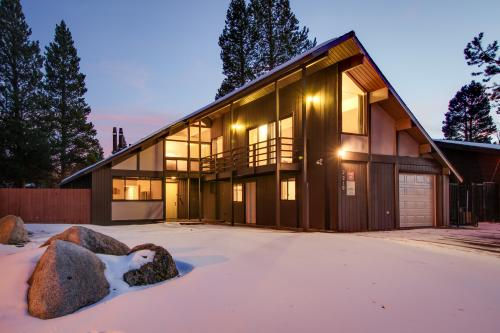 Waterfront Apres' Ski Cabin with Hot Tub - South Lake Tahoe, CA Vacation Rental