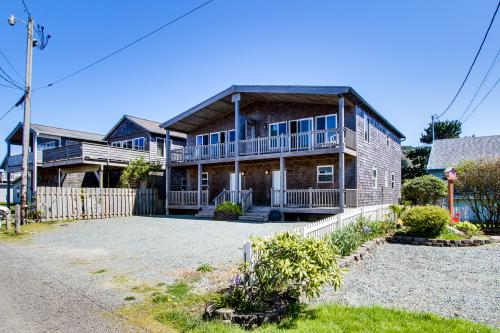 Boardwalk - Rockaway Beach, OR Vacation Rental