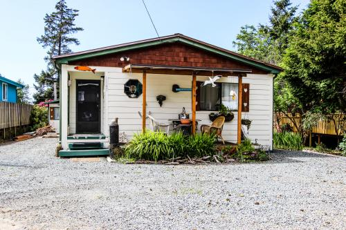 Easy Street Vacation Rental - Rockaway Beach, OR Vacation Rental