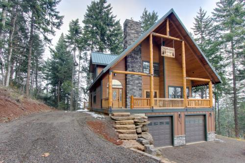 Svendsen Lodge - Parkdale, OR Vacation Rental