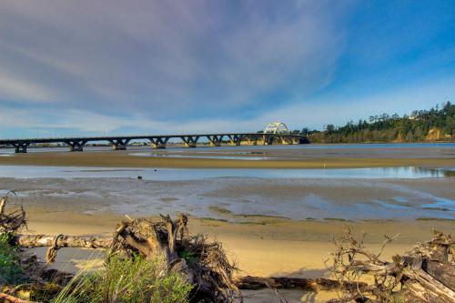 Bridgeview Bay House - Waldport, OR Vacation Rental