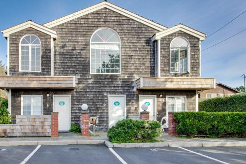 Beaches Inn | Herons Nest Loft - Cannon Beach, OR Vacation Rental
