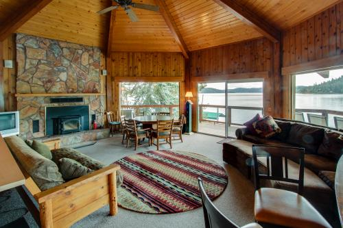 The Octagon at Rockford Bay - Coeur d'Alene Vacation Rental