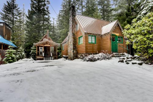 Hansel Cabin - Government Camp, OR Vacation Rental