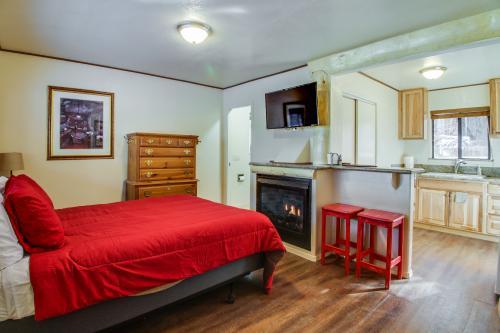 Emerald Bay Eagle Cabin - South Lake Tahoe, CA Vacation Rental