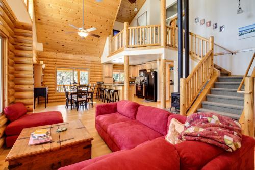 Cascade Custom Log Home - Cascade, ID Vacation Rental