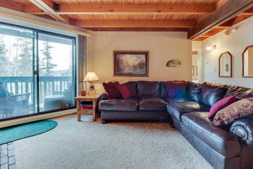 Treehouse Condo - Silverthorne, CO Vacation Rental