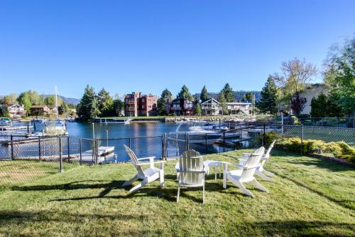 Aloha Lake House - South Lake Tahoe Vacation Rental