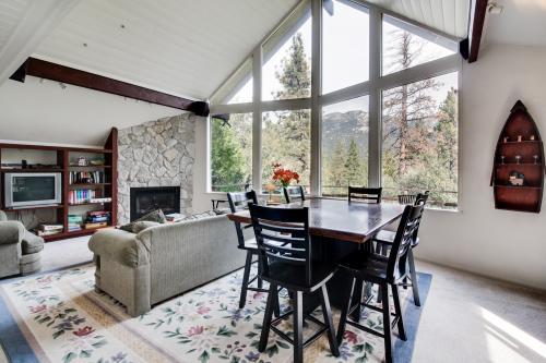 Grandview Lodge - Idyllwild, CA Vacation Rental