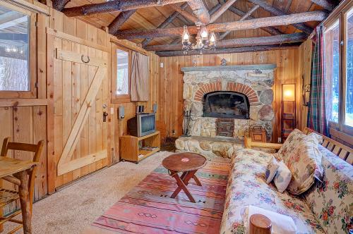 Twin Tree Cottage - Idyllwild, CA Vacation Rental