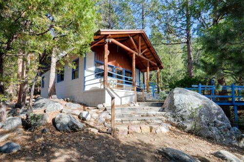 Harmony Bridge - Idyllwild, CA Vacation Rental