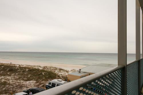 Fontainebleau 335 Beach Hideaway  -  Vacation Rental - Photo 1