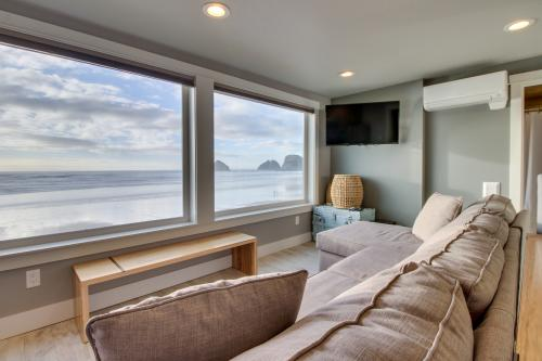 Storm Rock #4 -  Vacation Rental - Photo 1
