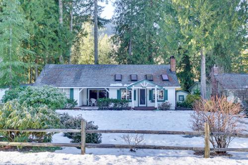 Dogwood Cottage - Welches, OR Vacation Rental