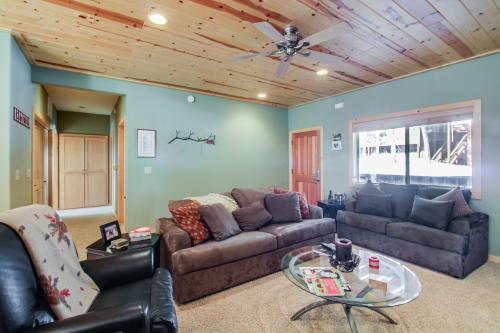 Cozy Cabin  -  Vacation Rental - Photo 1