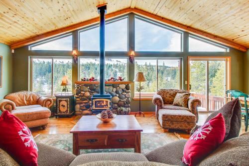 Hillside View Vacation Home -  Vacation Rental - Photo 1