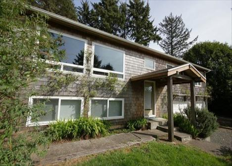 Classic Beach House Vacation Rental - Manzanita, OR Vacation Rental