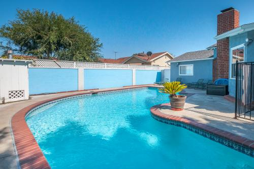 Mickey's Retreat: Half-House Option - Anaheim, CA Vacation Rental