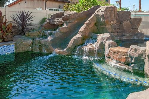 La Casa de Mickey: Half-House Option - Anaheim, CA Vacation Rental