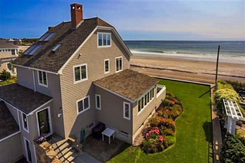 The Beach House at Kennebunk - Kennebunk, ME Vacation Rental