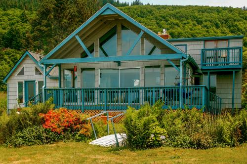 The Whalen House - Cloverdale, OR Vacation Rental
