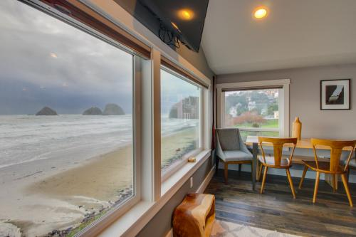 Chinook #8 - Oceanside, OR Vacation Rental