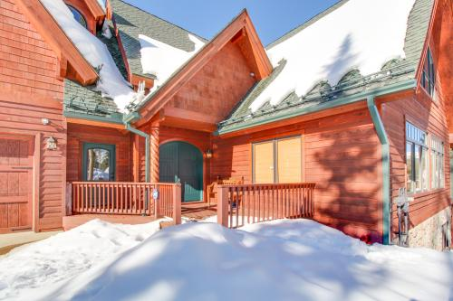 Top 20 winter park vacation rentals from 55 vacasa for Cabin rentals in winter park co