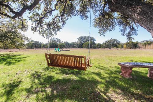 Flying Angel - Wimberley, TX Vacation Rental