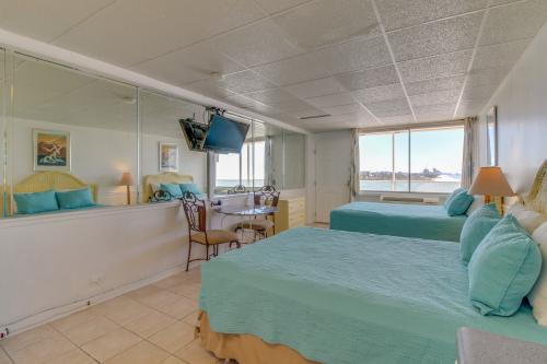 Fontainebleau 321 Sunrise & Sea Oats - Panama City Beach, FL Vacation Rental