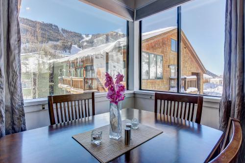 Ski View Studio -  Vacation Rental - Photo 1